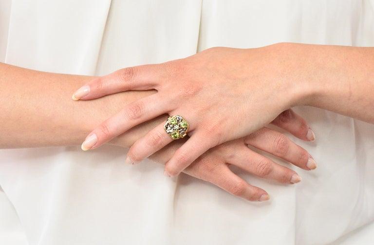 Edward Oakes Arts & Crafts 2.15 Carat Peridot 18 Karat Two-Tone Gold Ring For Sale 3