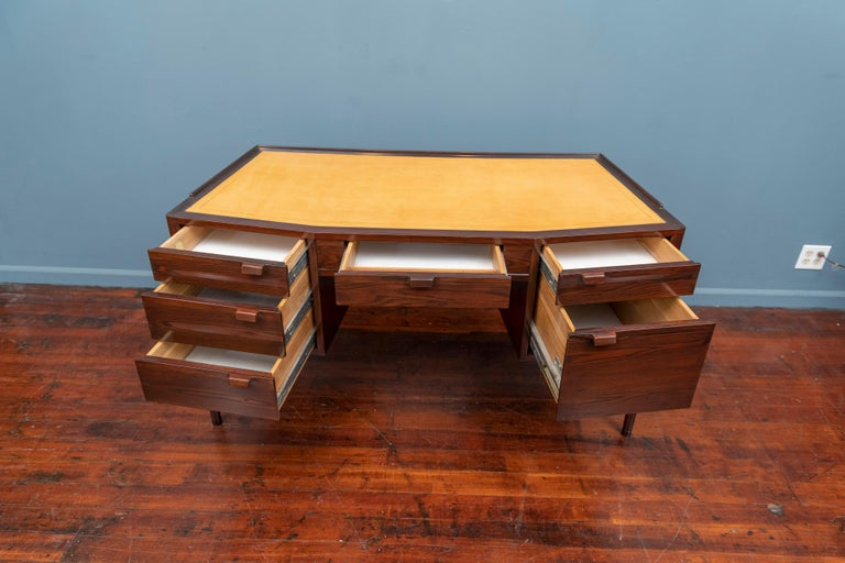 Edward Wormley Desk for Dunbar In Good Condition For Sale In San Francisco, CA
