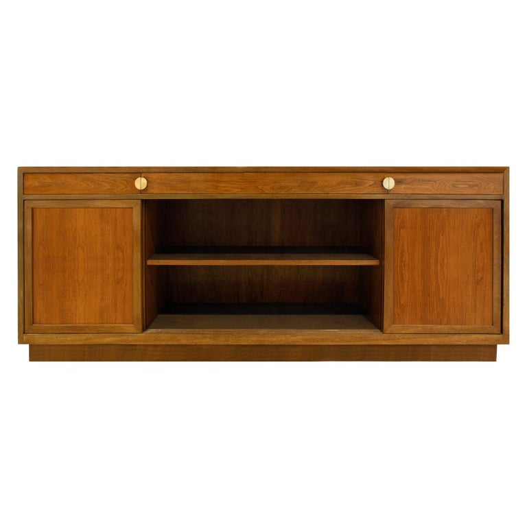 Mid-Century Modern Edward Wormley Elegant Credenza in Walnut and Mahogany 1960s, Signed For Sale