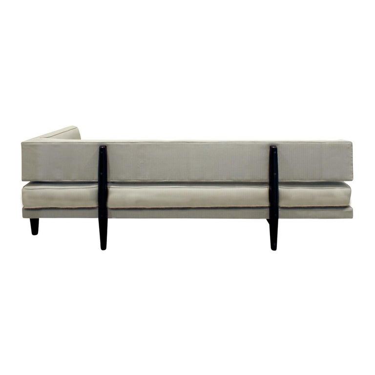 American Edward Wormley Elegant Sofa Day Bed with Walnut Legs, 1953 For Sale