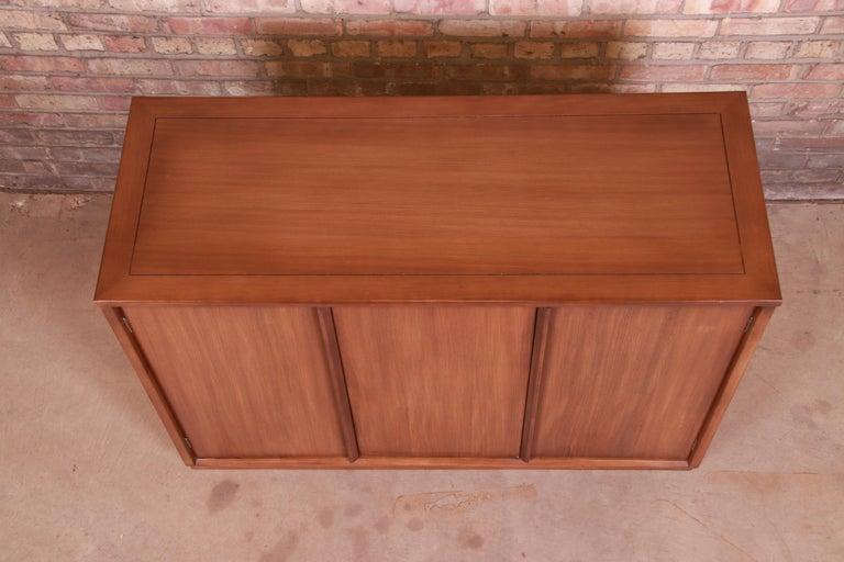 Edward Wormley for Drexel Precedent Elm Wood Sideboard or Bar Cabinet, 1950s For Sale 4