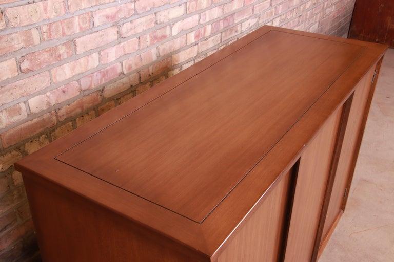 Edward Wormley for Drexel Precedent Elm Wood Sideboard or Bar Cabinet, 1950s For Sale 5