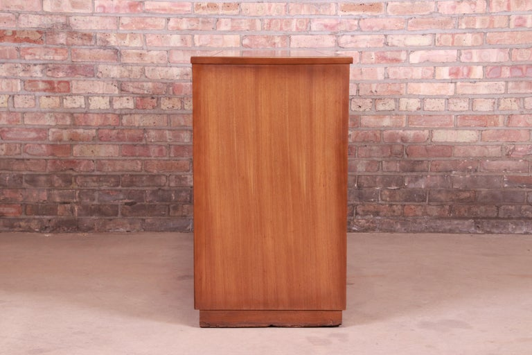 Edward Wormley for Drexel Precedent Elm Wood Sideboard or Bar Cabinet, 1950s For Sale 7