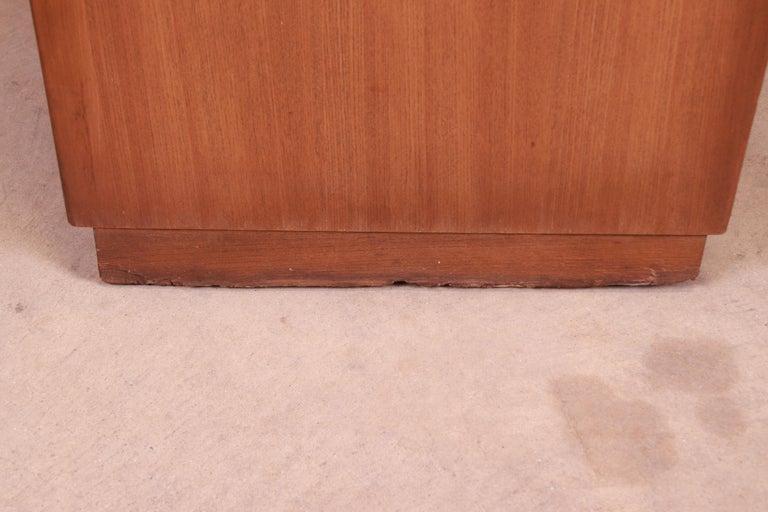 Edward Wormley for Drexel Precedent Elm Wood Sideboard or Bar Cabinet, 1950s For Sale 10