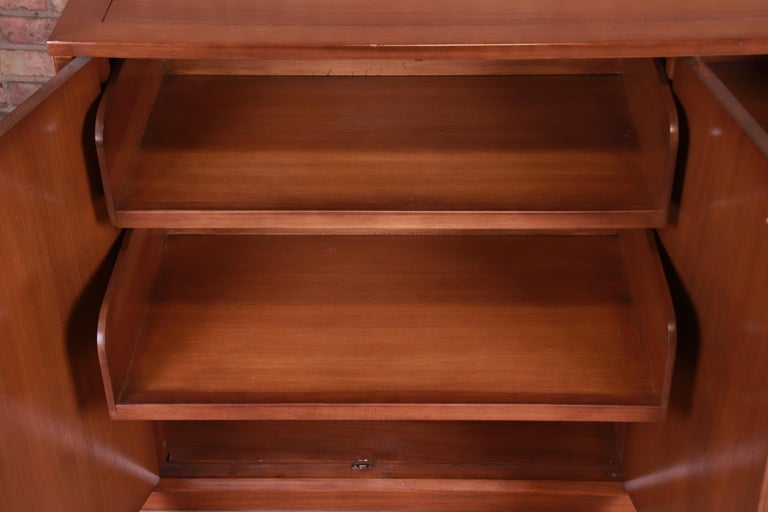 Edward Wormley for Drexel Precedent Elm Wood Sideboard or Bar Cabinet, 1950s For Sale 2