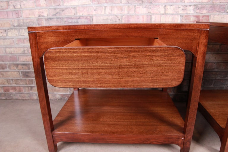 Edward Wormley for Drexel Precedent Mid-Century Modern Nightstands, Refinished For Sale 4