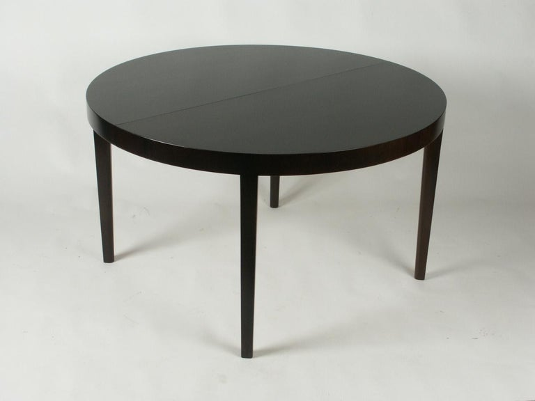 Mid-Century Modern Edward Wormley for Dunbar 1940s Round or Oval Dining Table For Sale