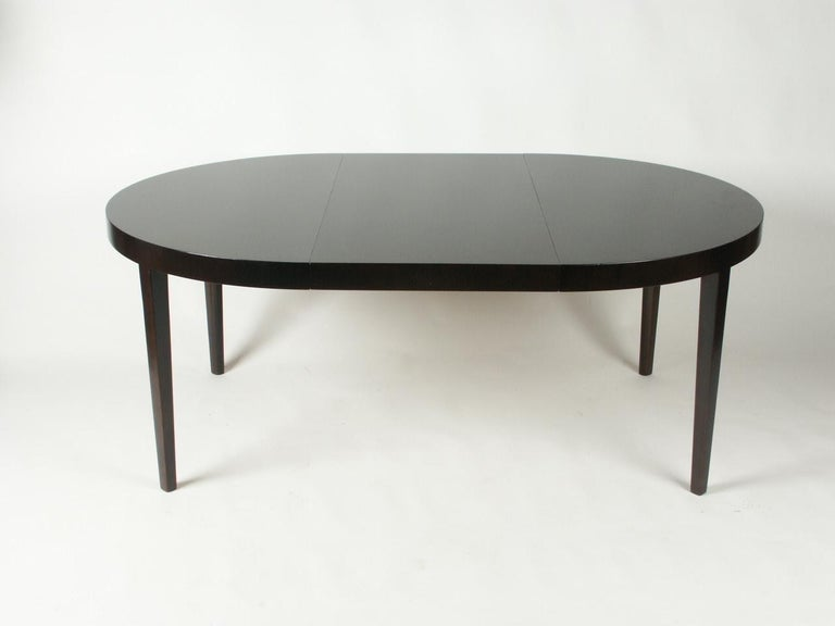 Edward Wormley for Dunbar 1940s Round or Oval Dining Table In Excellent Condition For Sale In St. Louis, MO