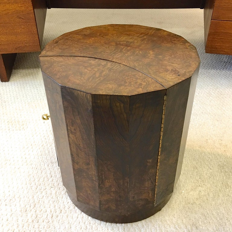Edward Wormley for Dunbar #6302C Pedestal Drum Bar Cabinet In Good Condition For Sale In Hingham, MA