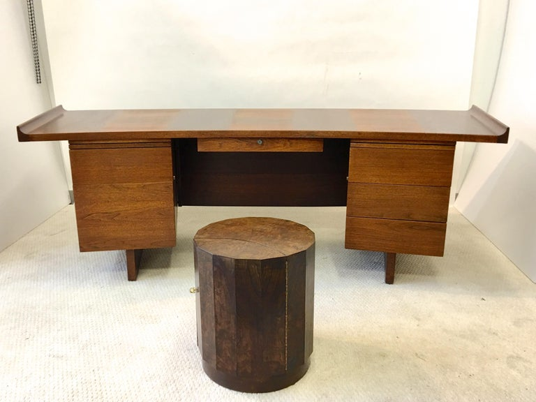 Mid-20th Century Edward Wormley for Dunbar #6302C Pedestal Drum Bar Cabinet For Sale