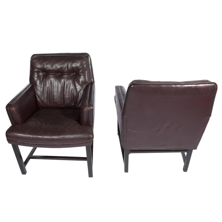 Edward Wormley for Dunbar Armchairs with Original Leather, circa 1960s For Sale 1