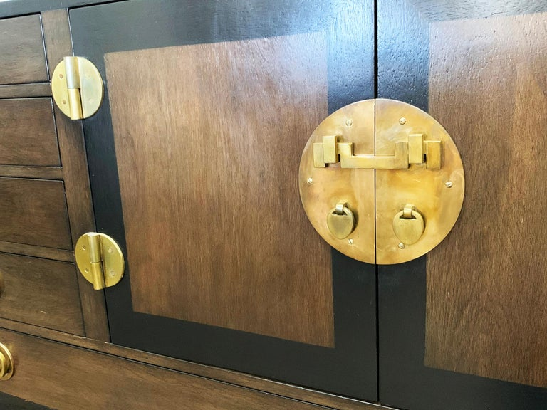 Edward Wormley for Dunbar Cabinet / Credenza in Mahogany and Walnut In Good Condition For Sale In Los Angeles, CA