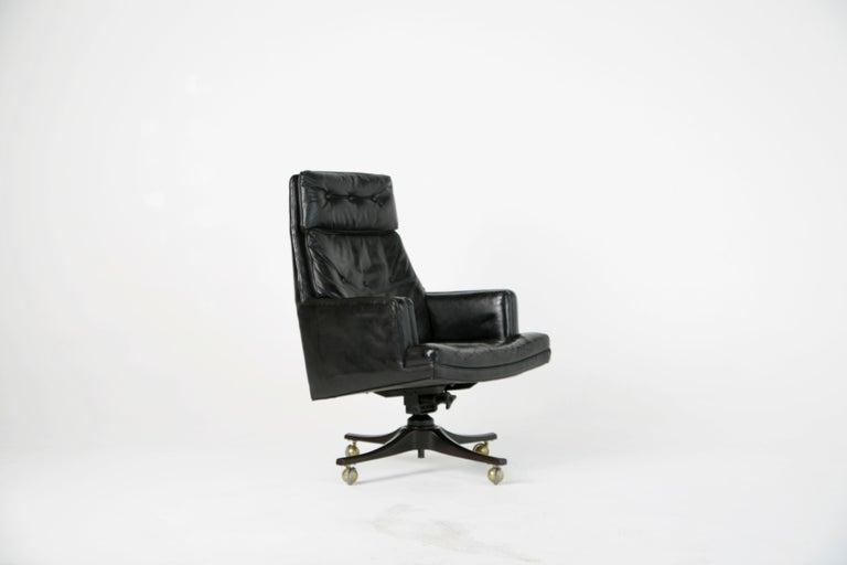 Mid-Century Modern Edward Wormley for Dunbar Executive Highback Leather Desk Chair, circa 1960 For Sale