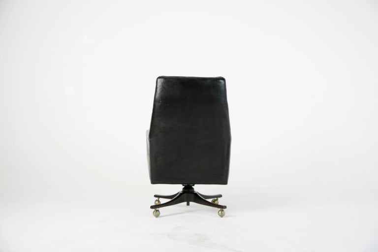 Edward Wormley for Dunbar Executive Highback Leather Desk Chair, circa 1960 In Good Condition For Sale In Los Angeles, CA