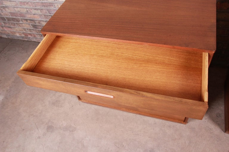 Edward Wormley for Dunbar Mahogany Bachelor Chests or Large Nightstands, Pair For Sale 4