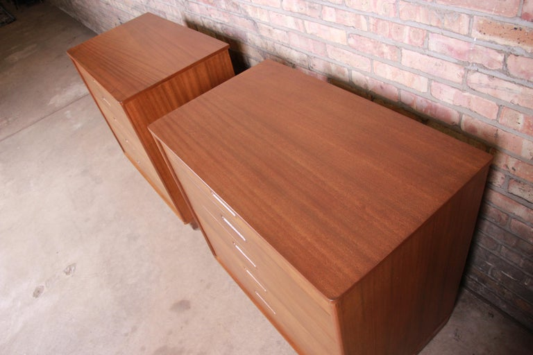 Mid-20th Century Edward Wormley for Dunbar Mahogany Bachelor Chests or Large Nightstands, Pair For Sale