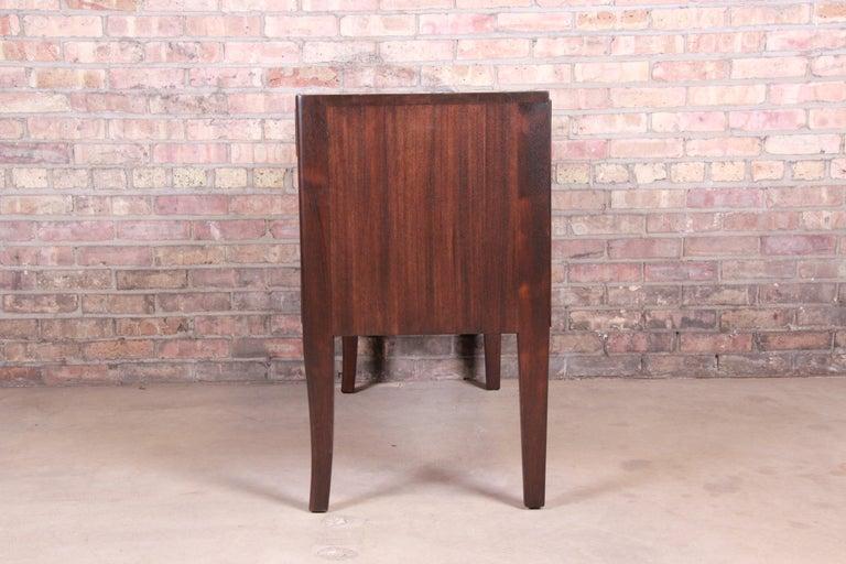 Edward Wormley for Dunbar Mahogany Sideboard Credenza or Bar Cabinet For Sale 3