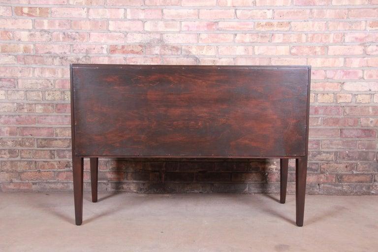 Edward Wormley for Dunbar Mahogany Sideboard Credenza or Bar Cabinet For Sale 4