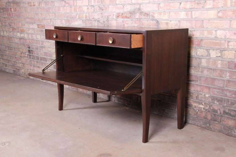 Mid-20th Century Edward Wormley for Dunbar Mahogany Sideboard Credenza or Bar Cabinet For Sale