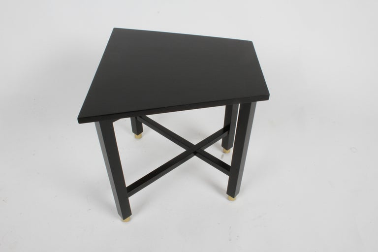 Edward Wormley for Dunbar Mid-Century Ebonized Trapezoidal Side or Drinks Table In Good Condition For Sale In St. Louis, MO