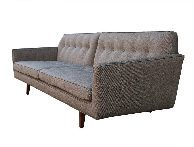 Edward Wormley for Dunbar Mid-Century Modern Gray Tweed Sofa with Walnut Legs In Excellent Condition For Sale In Philadelphia, PA