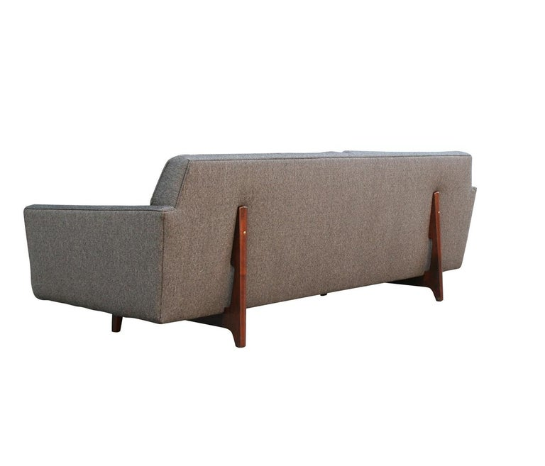 Edward Wormley for Dunbar Mid-Century Modern Gray Tweed Sofa with Walnut Legs For Sale 2