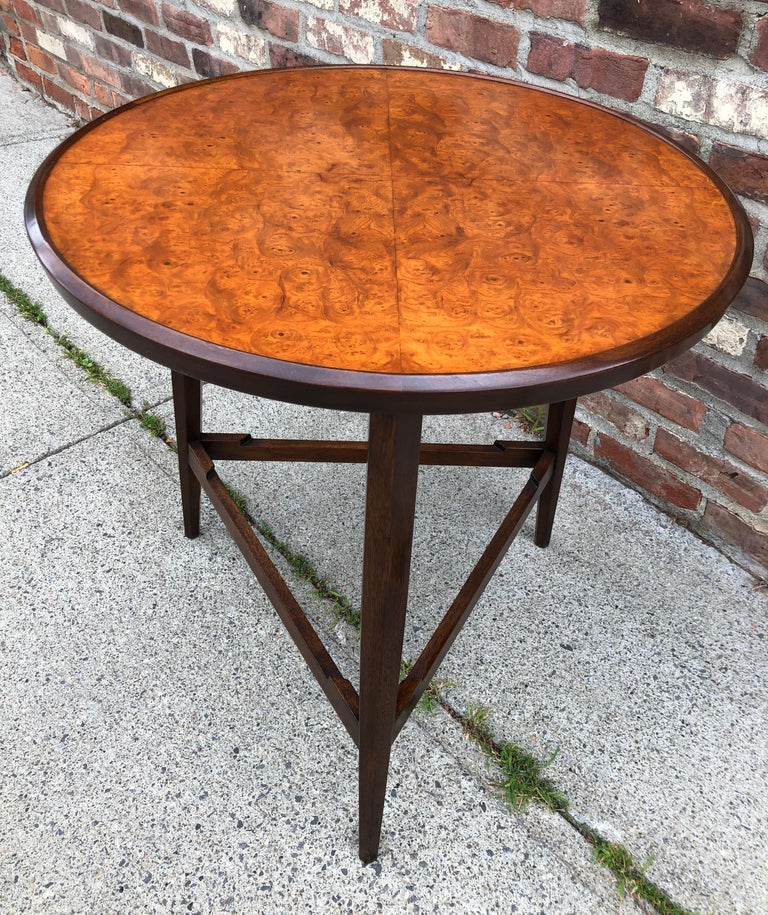 Edward Wormley for Dunbar Occasional Table with Tray In Good Condition For Sale In Hudson, NY