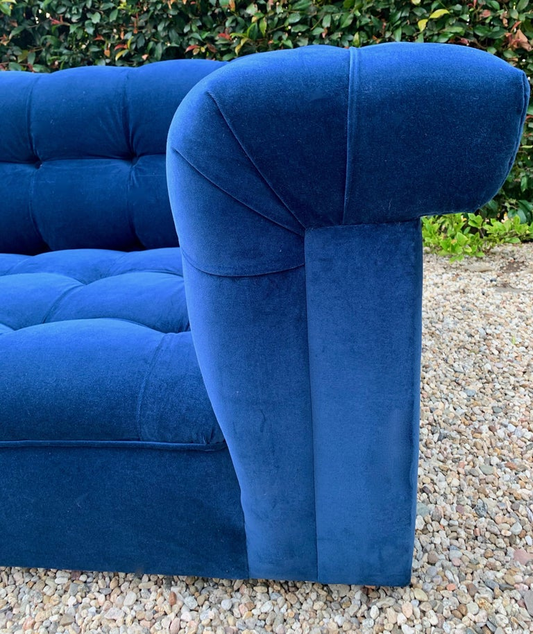 Edward Wormley for Dunbar Party Sofa In Good Condition For Sale In Los Angeles, CA