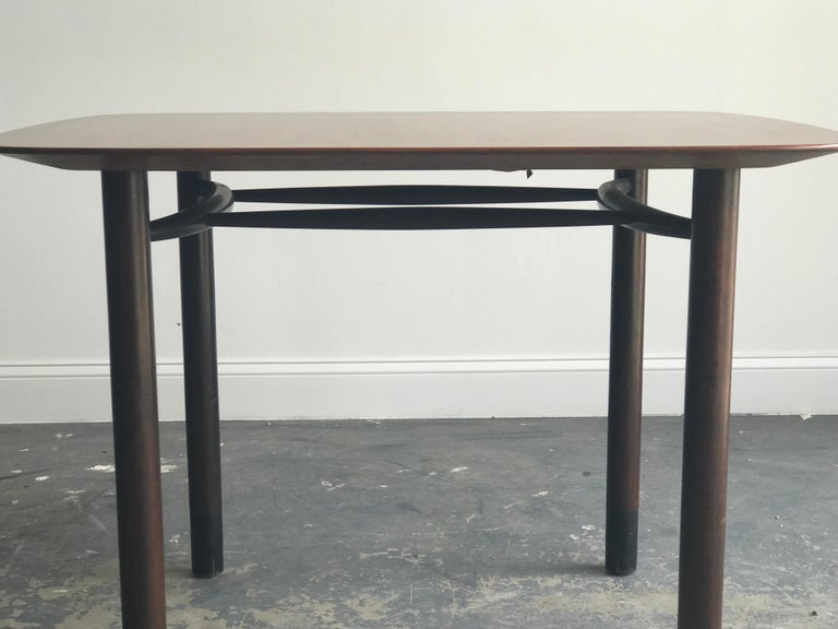 Edward Wormley for Dunbar Petite Dining Table or Desk In Good Condition For Sale In St.Petersburg, FL