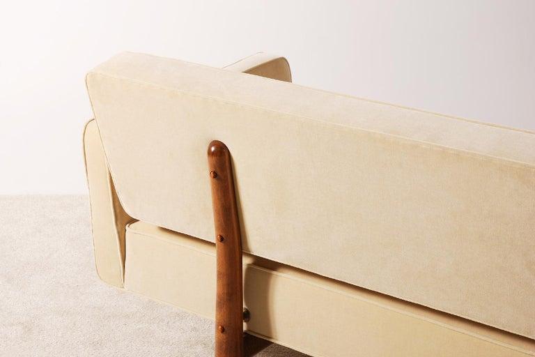 Edward Wormley for Dunbar, Sofa Model 5316 Reupholstered, circa 1950 3