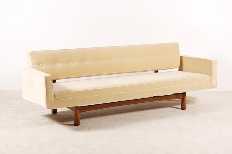 Beautiful and very large three-seat sofa, model 5316, designed by Edward Wormley and produced by Dunbar furniture, United States, circa 1950. Mahogany frame.  Excellent condition. This sofa has been fully restored and newly upholstered in the