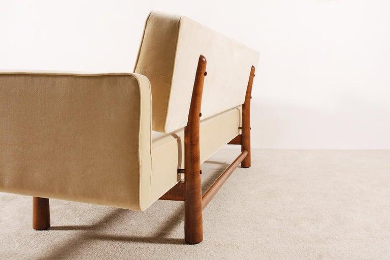 Edward Wormley for Dunbar, Sofa Model 5316 Reupholstered, circa 1950 2