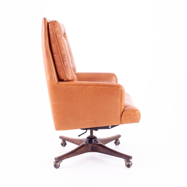 Edward Wormley for Dunbar Style Mid Century Leather Orange Desk Chair In Good Condition For Sale In La Grange, IL