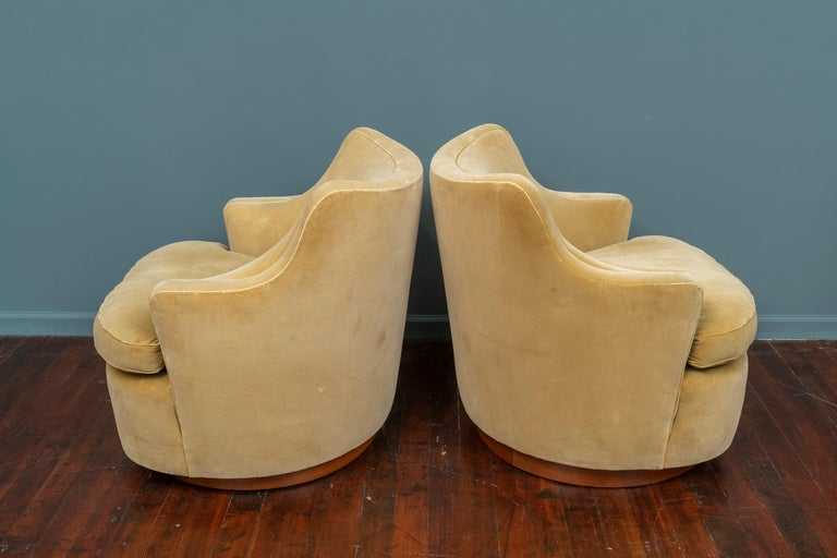 Mid-Century Modern Edward Wormley for Dunbar Swivel Lounge Chairs For Sale