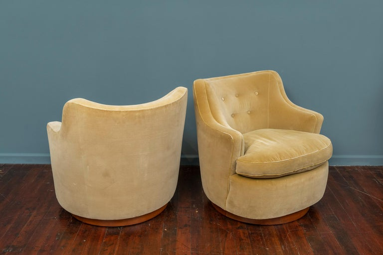 Edward Wormley for Dunbar Swivel Lounge Chairs In Fair Condition For Sale In San Francisco, CA