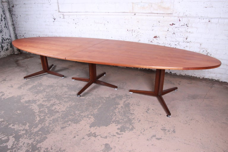 American Edward Wormley for Dunbar Walnut Elliptical Conference or Dining Table, 1960s For Sale