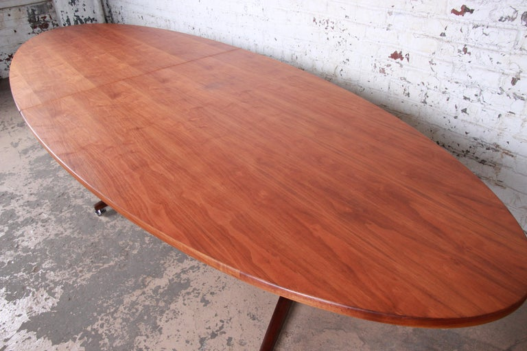 Edward Wormley for Dunbar Walnut Elliptical Conference or Dining Table, 1960s For Sale 2