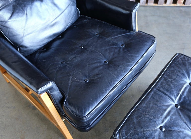 Edward Wormley Leather Lounge Chair and Ottoman for Dunbar, circa 1957 For Sale 4