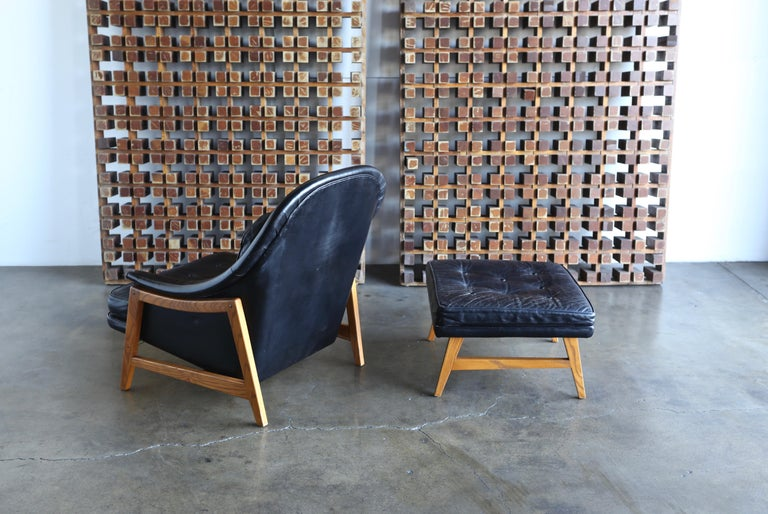 Edward Wormley Leather Lounge Chair and Ottoman for Dunbar, circa 1957 For Sale 5