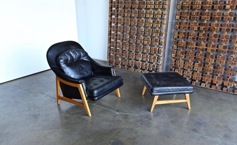 Edward Wormley Leather Lounge Chair and Ottoman for Dunbar, circa 1957 For Sale 7