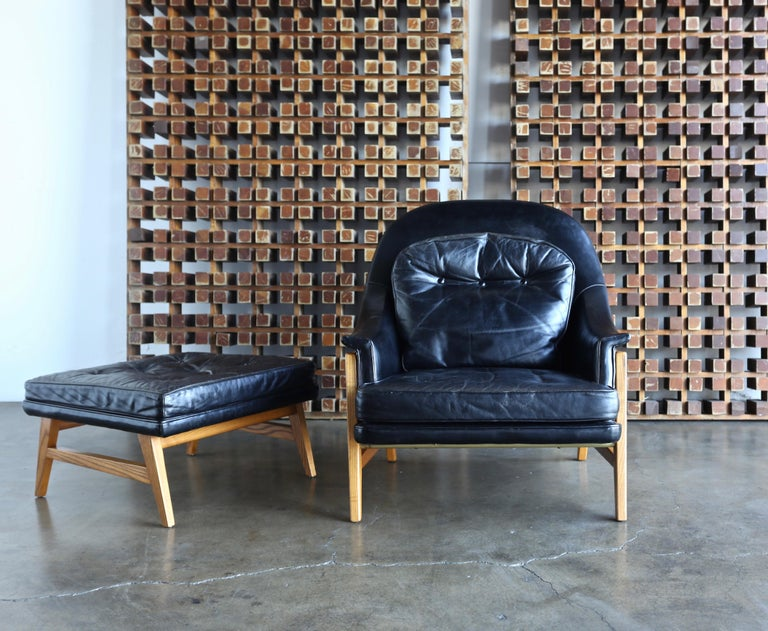 Edward Wormley leather lounge chair and ottoman for Dunbar, designed in 1957 for the Janus line.
