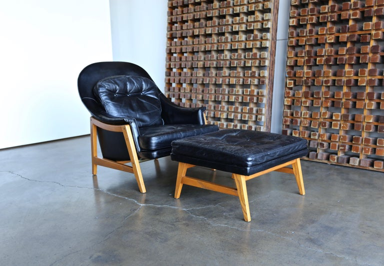 Edward Wormley Leather Lounge Chair and Ottoman for Dunbar, circa 1957 For Sale 1