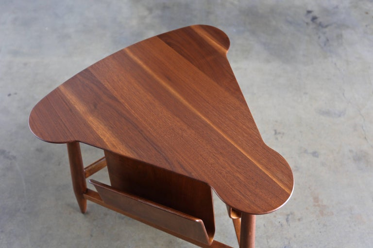 American Edward Wormley Magazine Table Model 5313 For Sale
