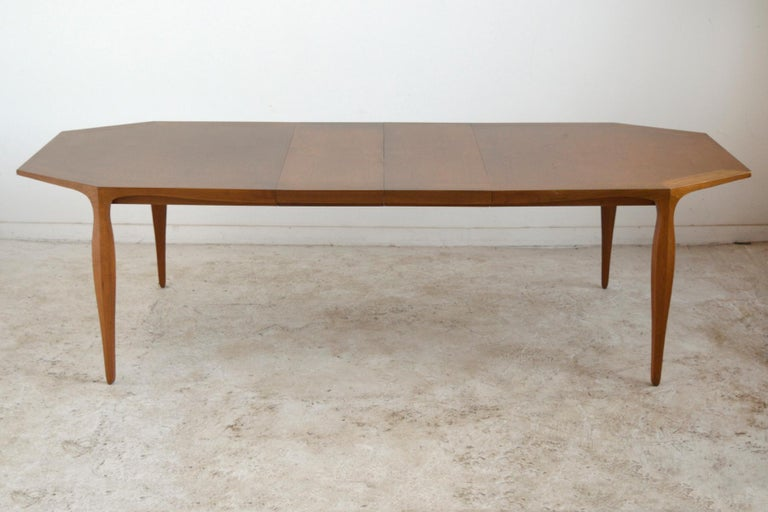 Edward Wormley Model 5900 Dining Table by Dunbar In Good Condition For Sale In Highland, IN
