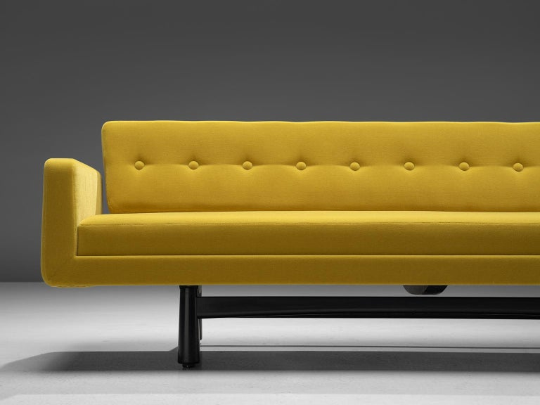 Edward Wormley Reupholstered Yellow Sofa Model 5316 In Excellent Condition For Sale In Waalwijk, NL