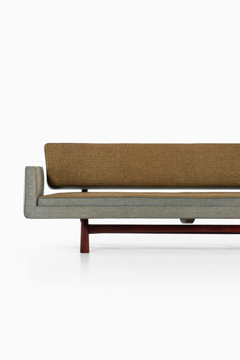 Very rare sofa model New York / 5316 designed by Edward Wormley. Produced by DUX in Sweden.