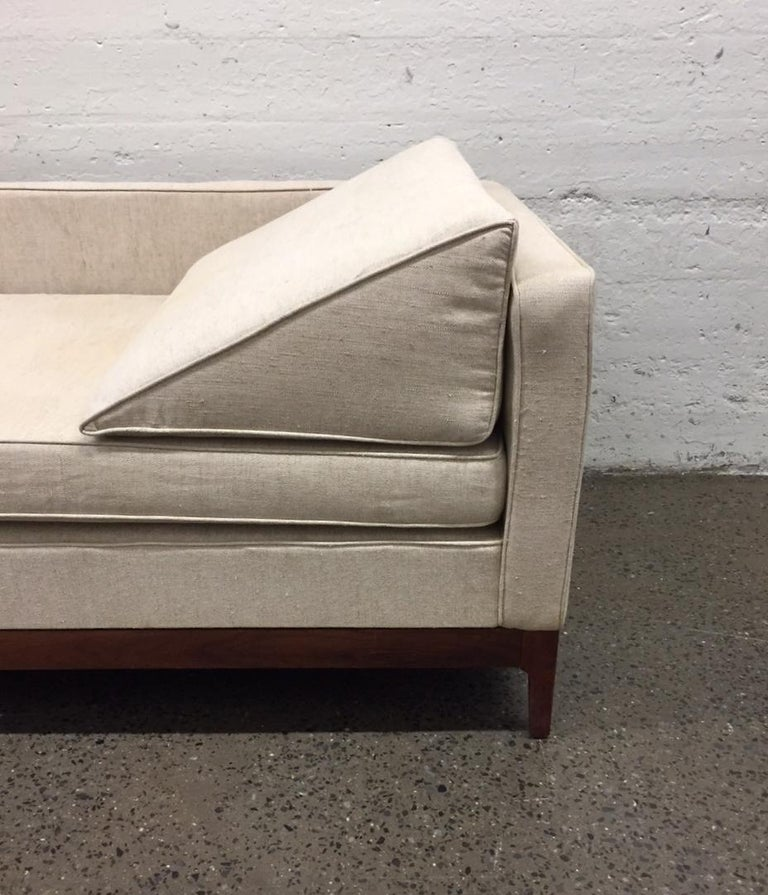 Mid-20th Century Edward Wormley Style Walnut Daybed For Sale