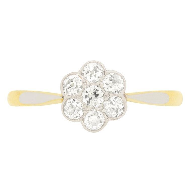 Edwardian 0.50 Carat Diamond Daisy Cluster Ring, circa 1910s For Sale