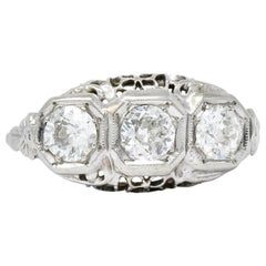 Edwardian 1.00 Carat Diamond Platinum-Topped 14 Karat White Gold Ring