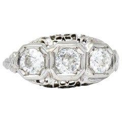 Edwardian 1.00 Carat Diamond Platinum-Topped 14 Karat White Gold Ring